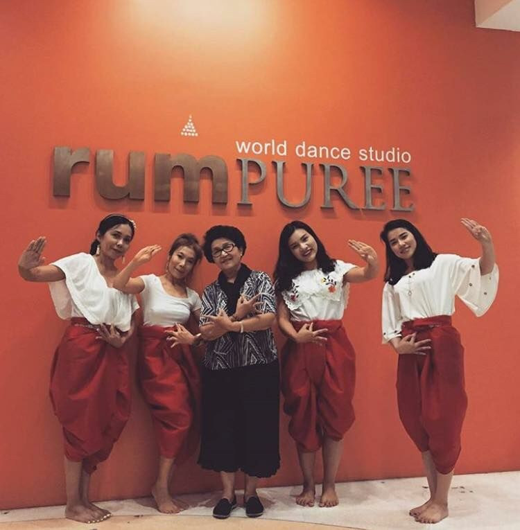 Thai Dancers at rumPUREE Dance Studio. The best Thai dance class in Thailand.