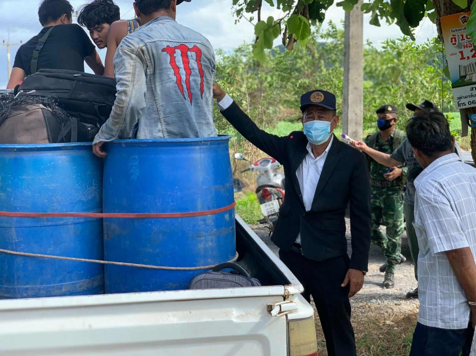 Thai-Myanmar border patrol tightens, 11 Burmese migrants caught hiding in containers | News by Thaiger