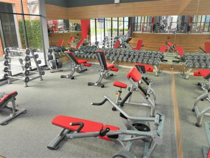 Jetts 24 Hour Fitness Gym