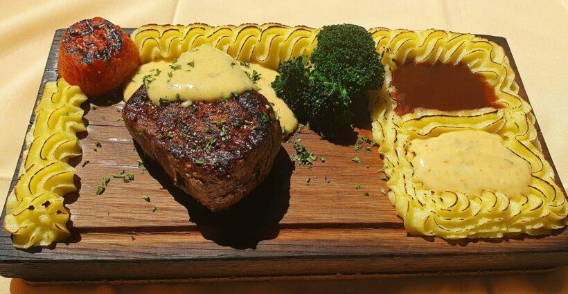 Karlsson's Restaurant and Steak House