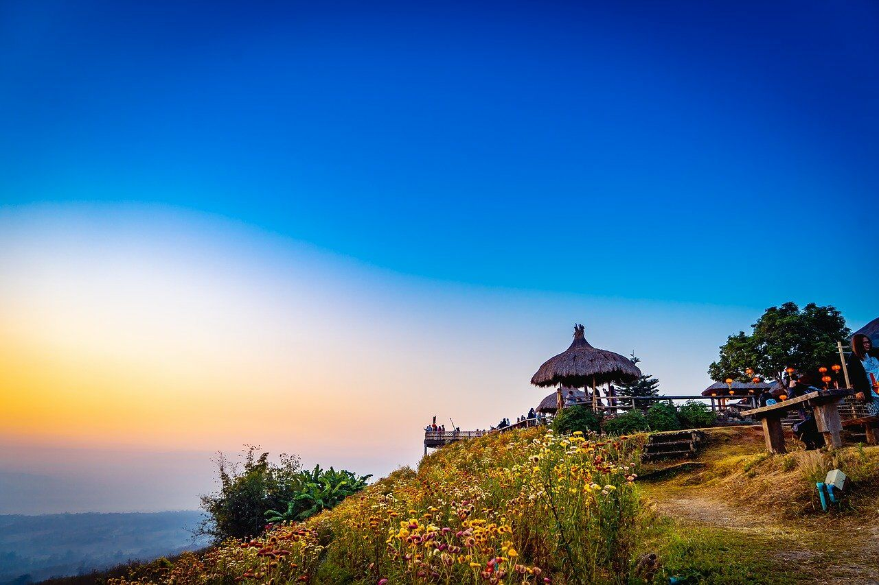 PHOTO: Yun Lai Viewpoint by aiworldexplore from Pixabay.